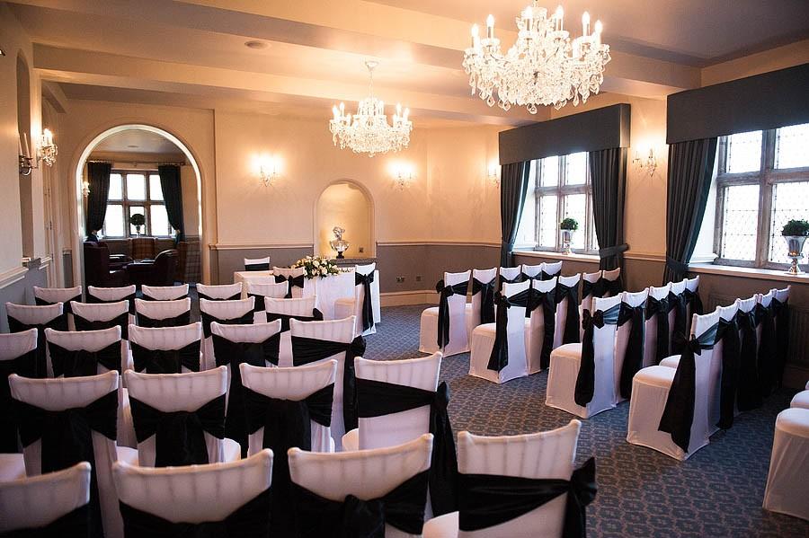 weston-hall-stafford-025-contemporary-wedding-photographers