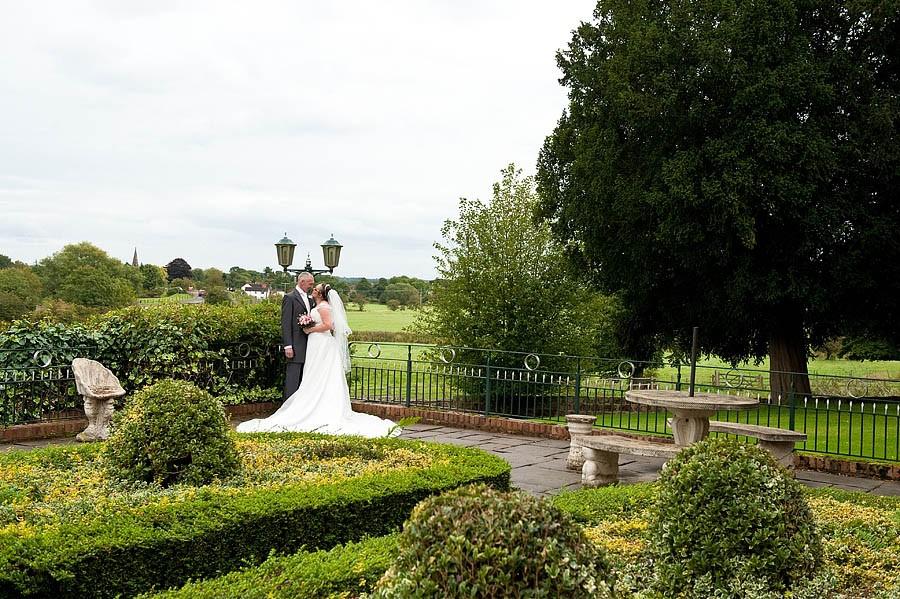 weston-hall-stafford-046-contemporary-wedding-photographers