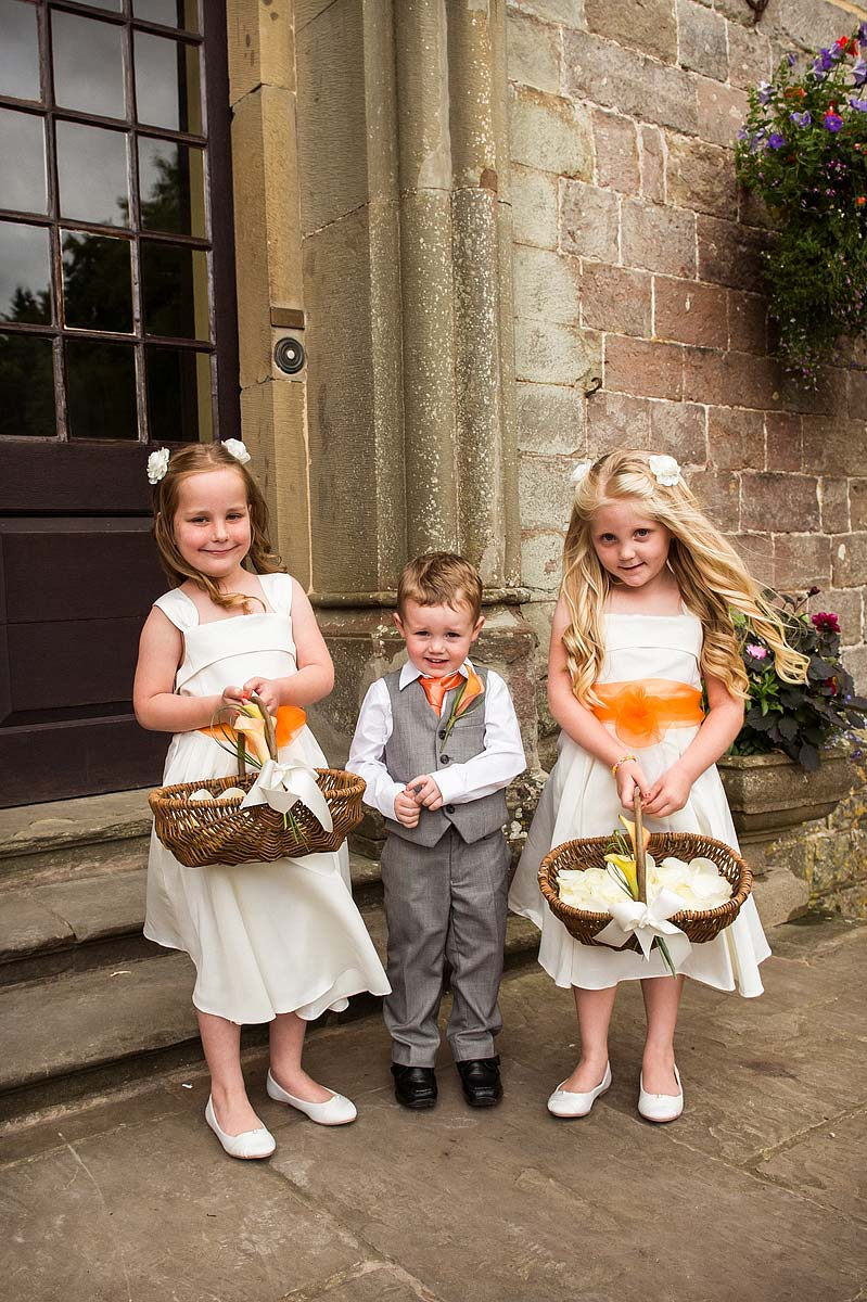 clearwell-castle-wedding-photographers-005