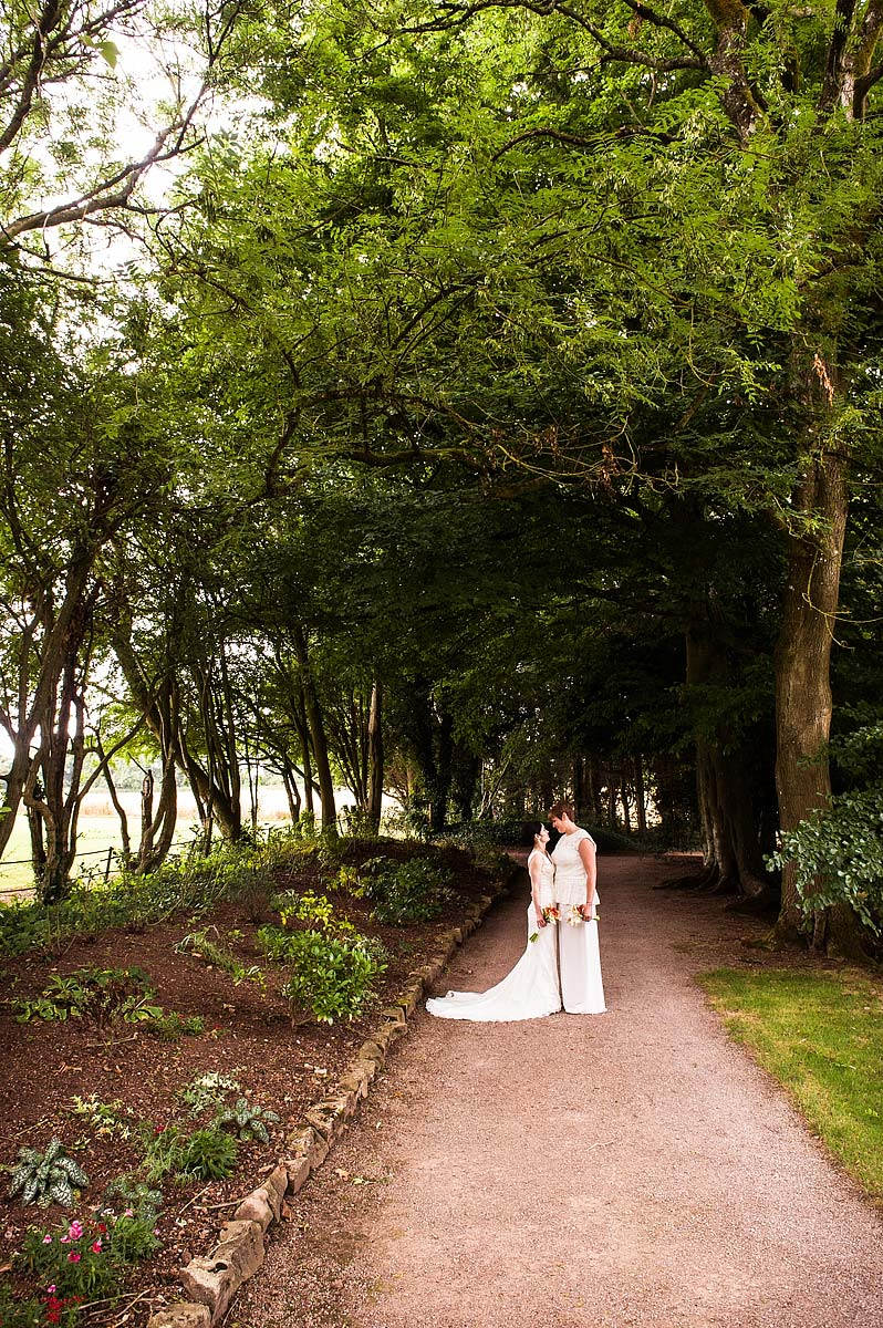 clearwell-castle-wedding-photographers-032