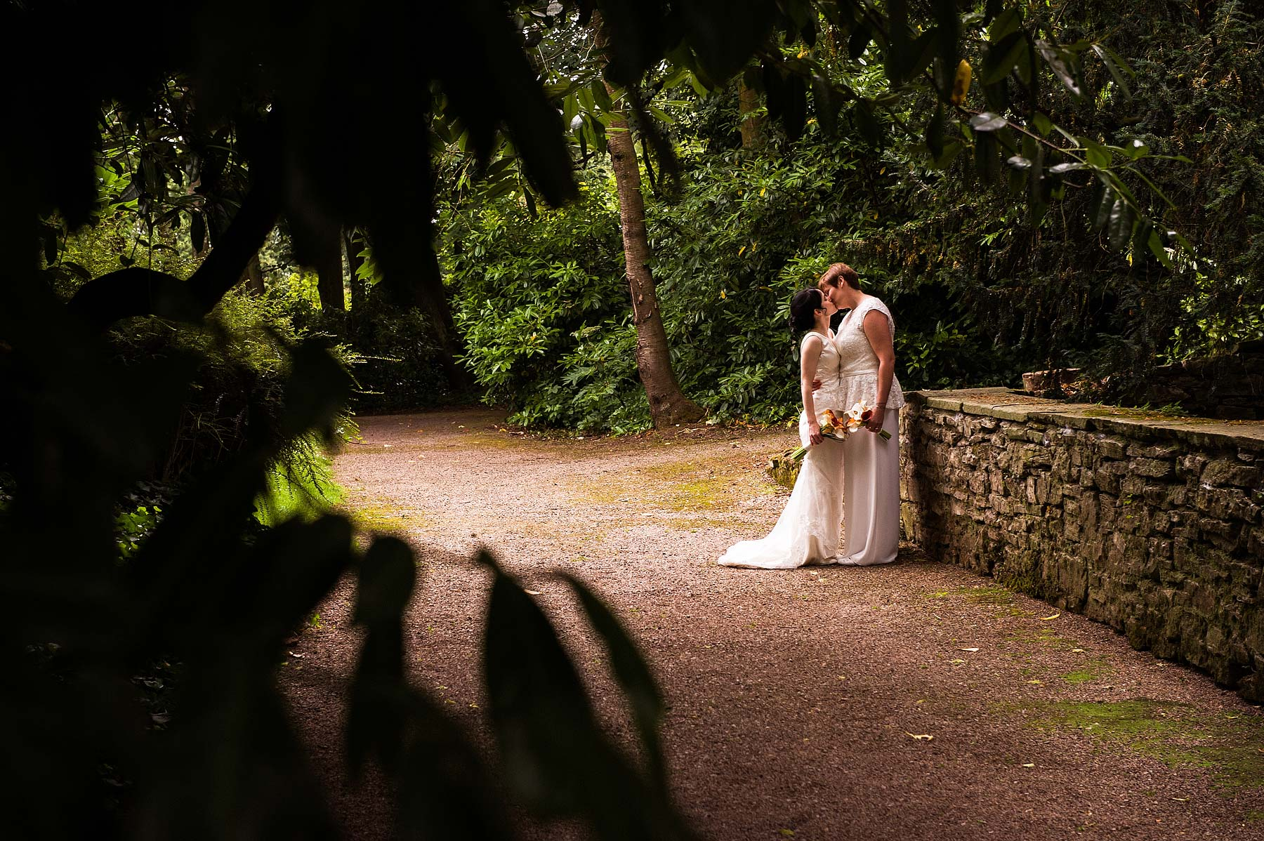 clearwell-castle-wedding-photographers-039