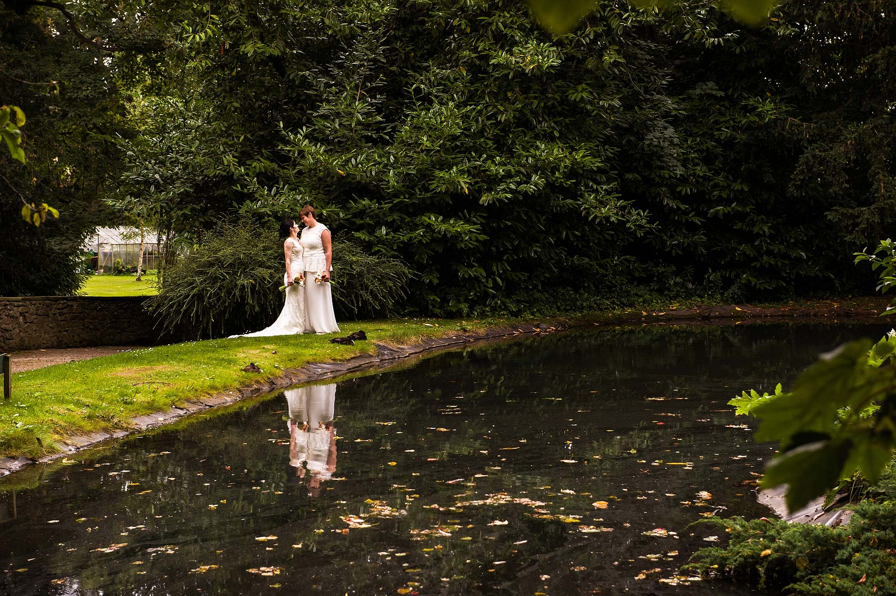clearwell-castle-wedding-photographers-041