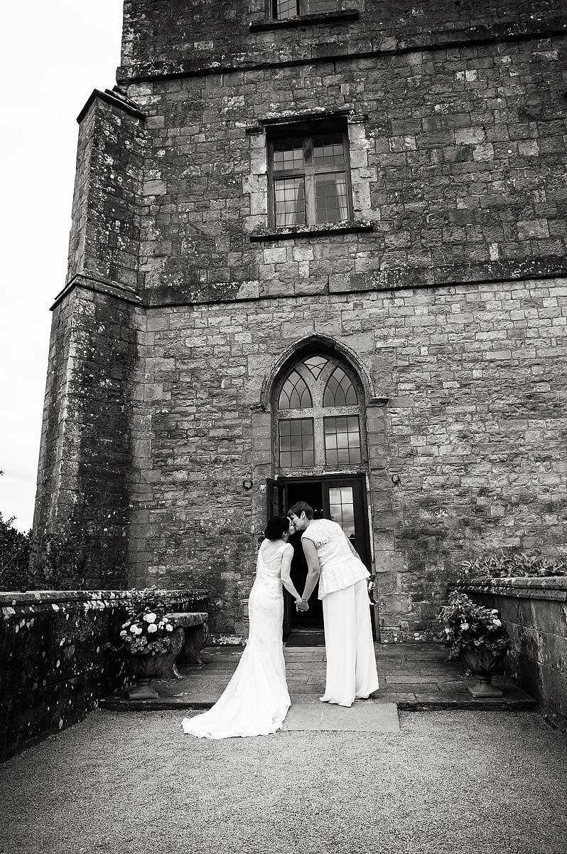 clearwell-castle-wedding-photographers-043