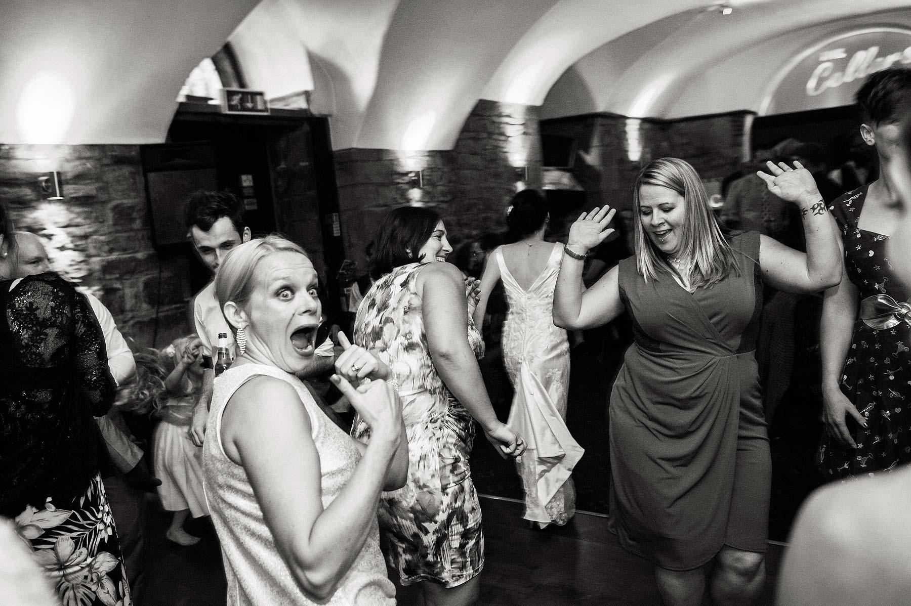clearwell-castle-wedding-photographers-072