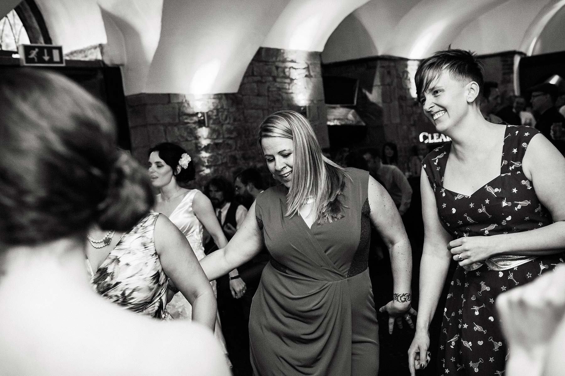 clearwell-castle-wedding-photographers-073