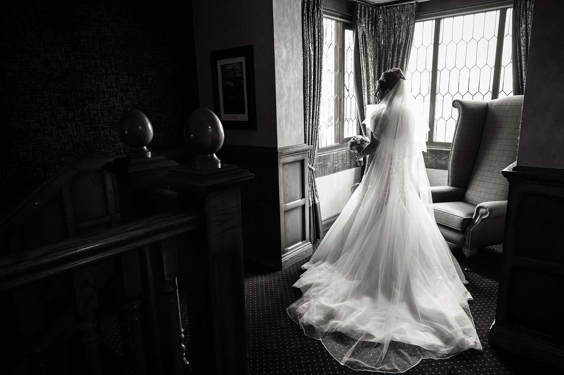 spring-wedding-photographs-moat-house-019