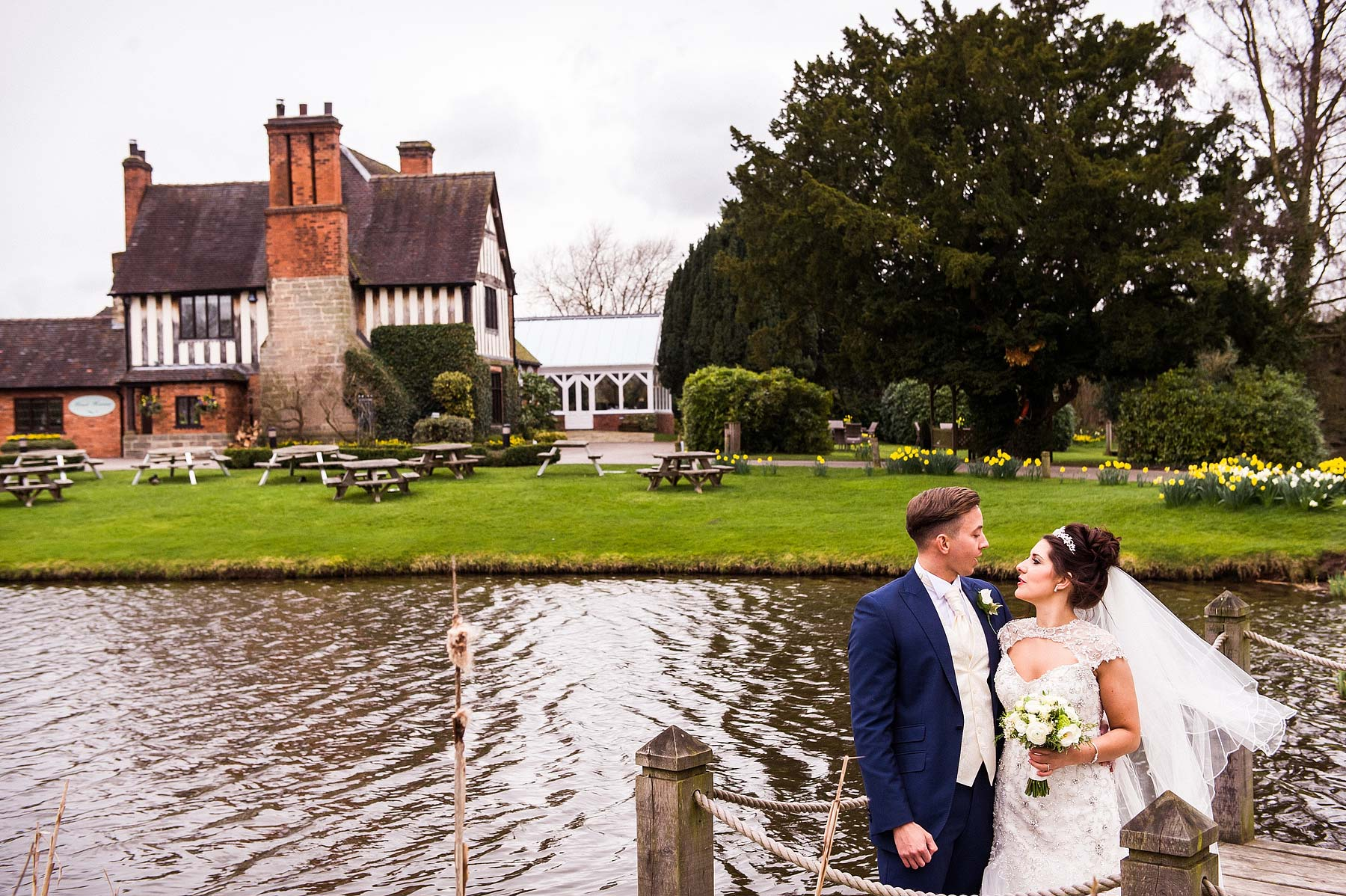 spring-wedding-photographs-moat-house-043