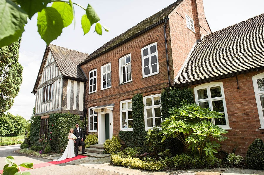 moat-house-acton-trussell-wedding-photographs006-recommended-wedding-photographers