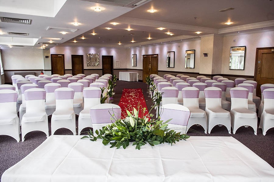 moat-house-acton-trussell-wedding-photographs009-recommended-wedding-photographers