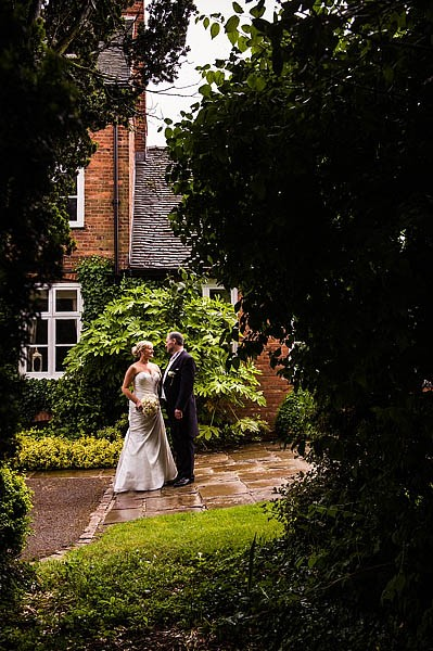 moat-house-acton-trussell-wedding-photographs017-recommended-wedding-photographers