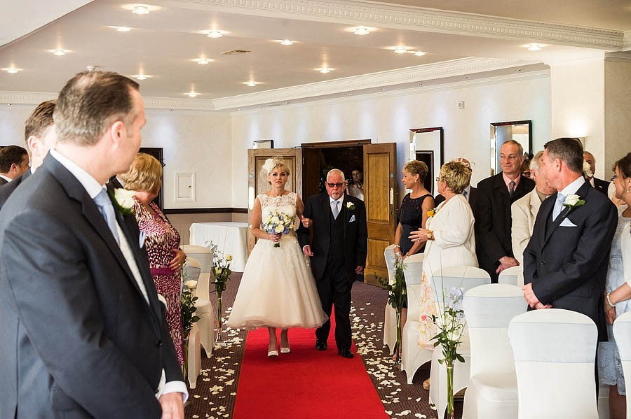 moat-house-acton-trussell-wedding-photographs019-recommended-wedding-photographers