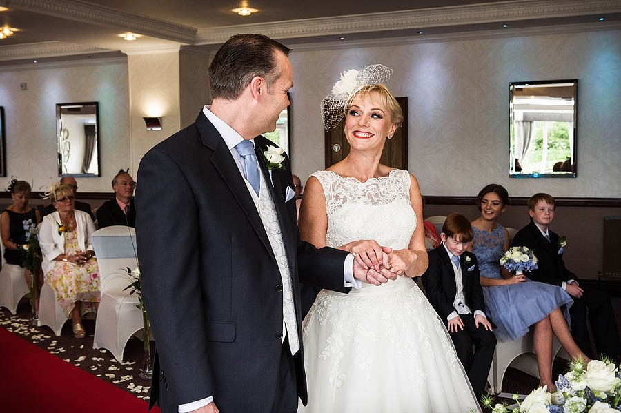 moat-house-acton-trussell-wedding-photographs023-recommended-wedding-photographers