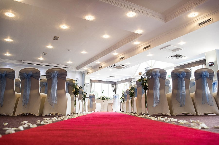 moat-house-acton-trussell-wedding-photographs027-recommended-wedding-photographers