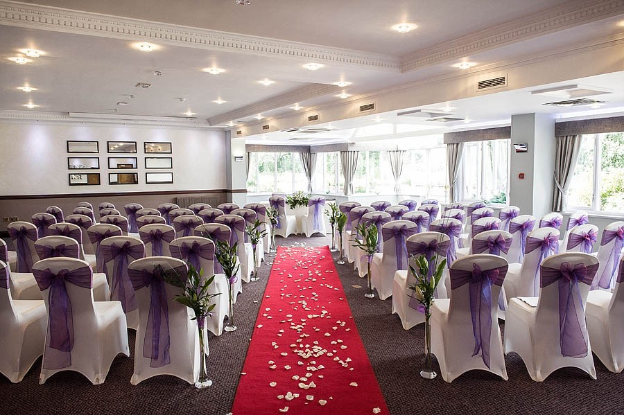 moat-house-acton-trussell-wedding-photographs028-recommended-wedding-photographers