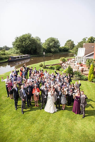 moat-house-acton-trussell-wedding-photographs031-recommended-wedding-photographers