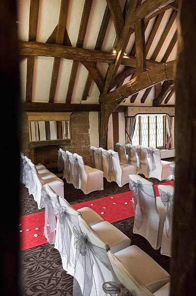 moat-house-acton-trussell-wedding-photographs052-recommended-wedding-photographers