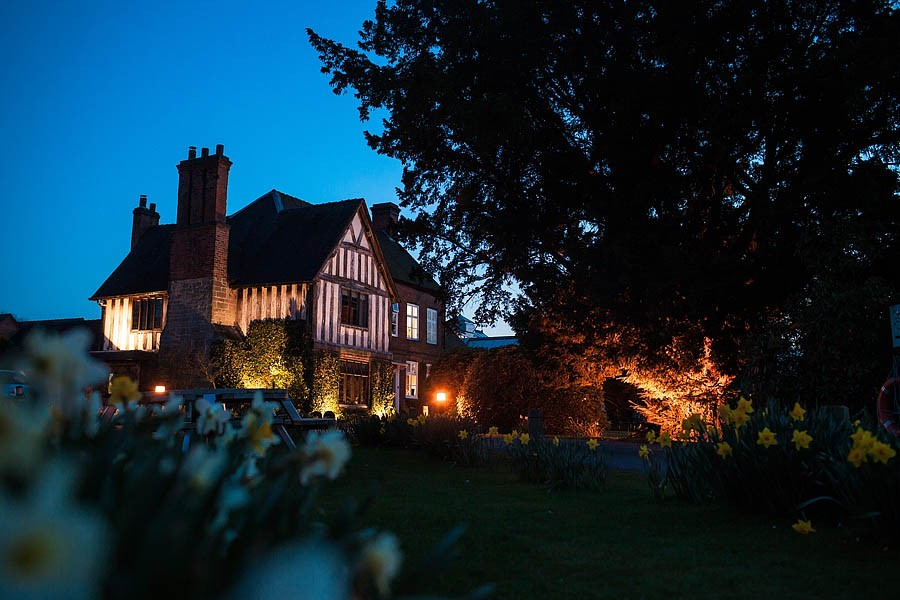 moat-house-acton-trussell-wedding-photographs056-recommended-wedding-photographers
