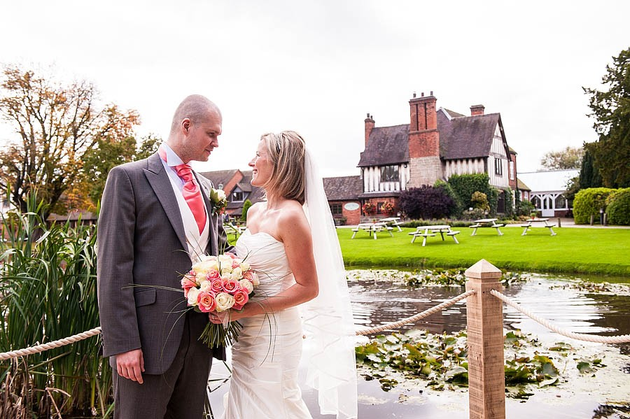moat-house-acton-trussell-wedding-photographs081-recommended-wedding-photographers
