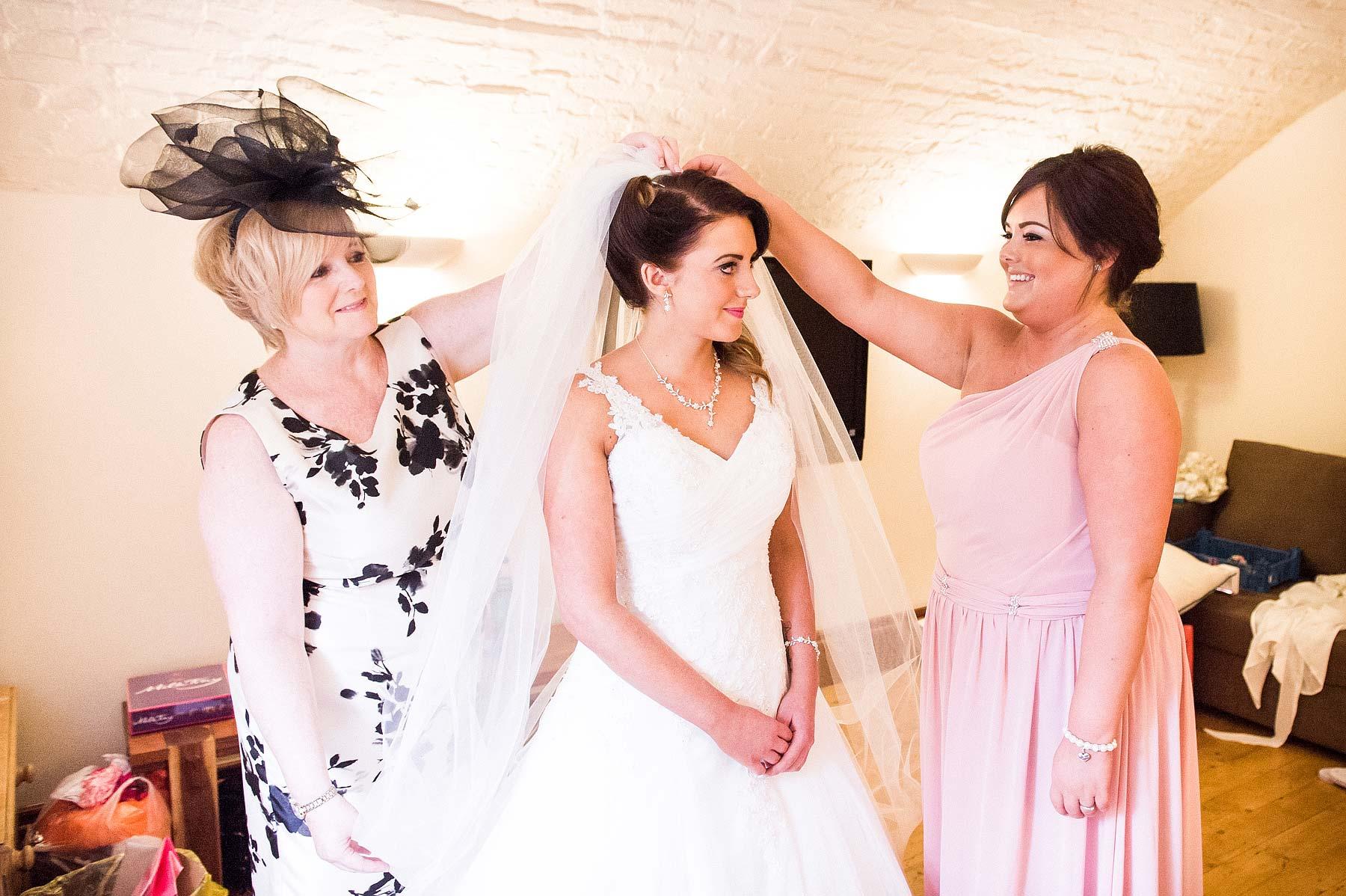 hawkesyard-estate-wedding-photographers-rugeley-014