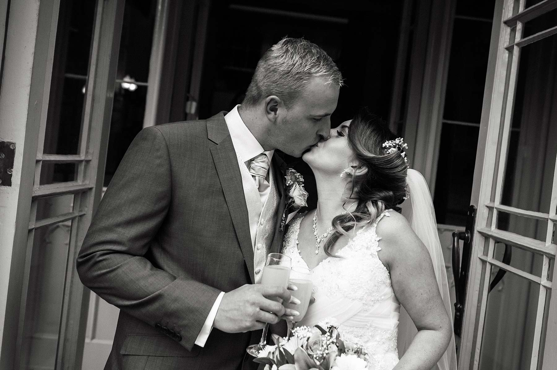 hawkesyard-estate-wedding-photographers-rugeley-048