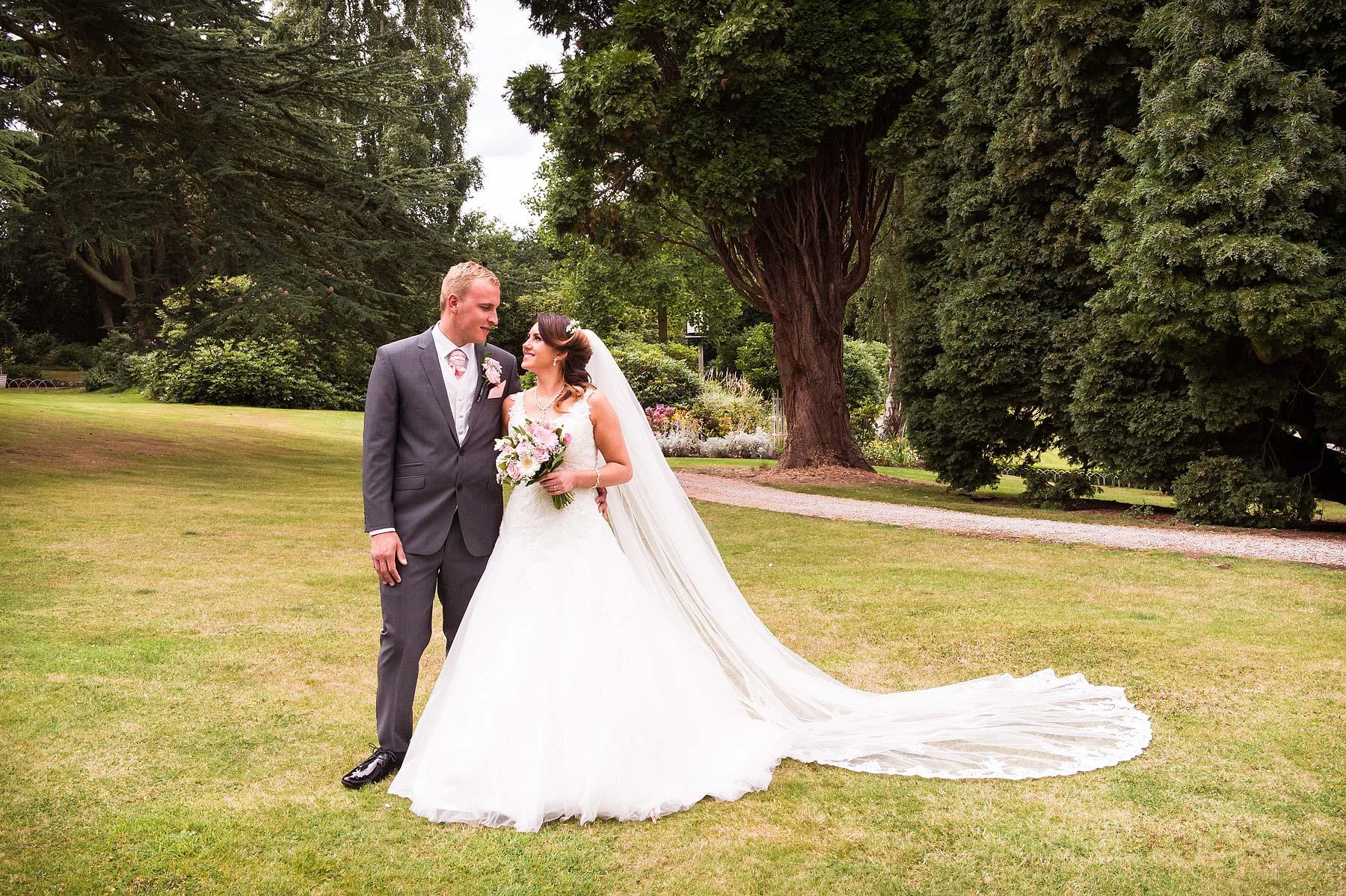 hawkesyard-estate-wedding-photographers-rugeley-050
