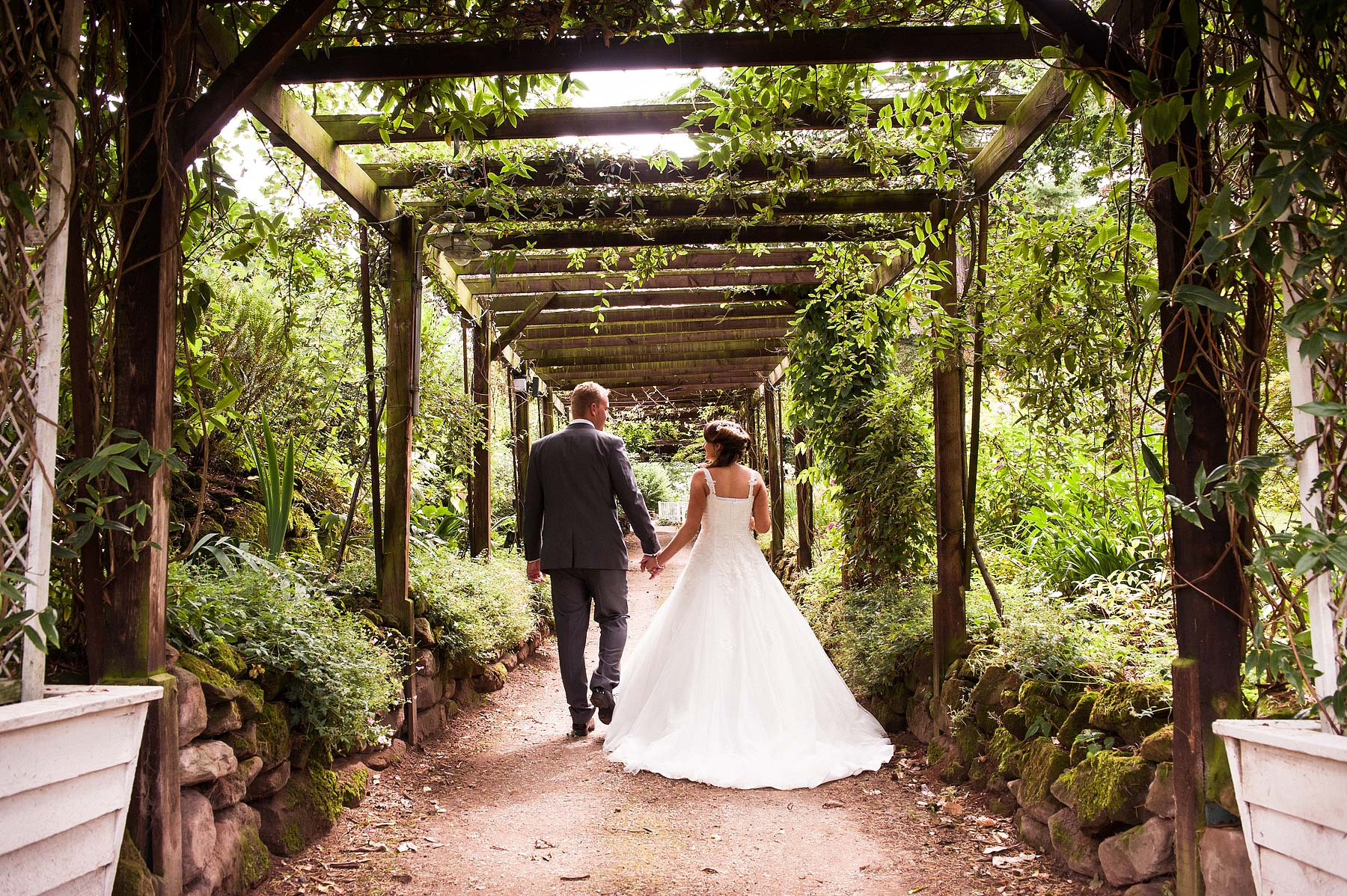 hawkesyard-estate-wedding-photographers-rugeley-062