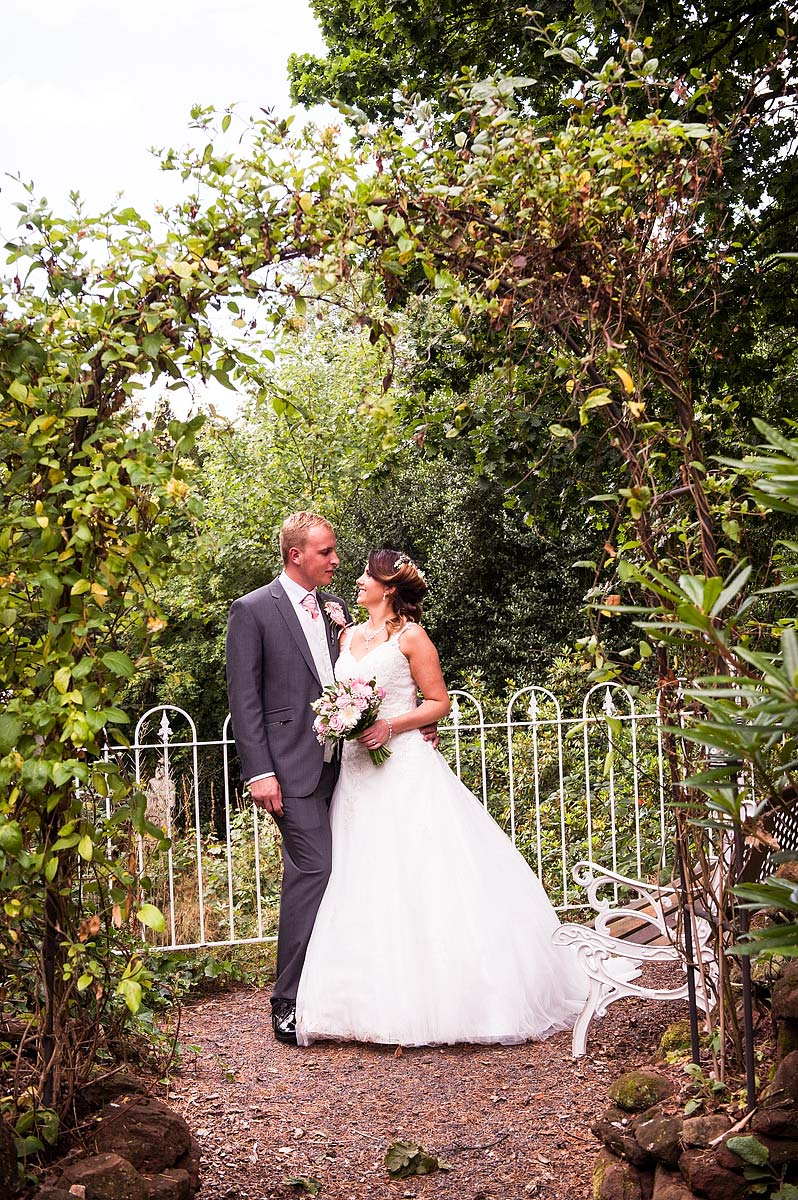 hawkesyard-estate-wedding-photographers-rugeley-063