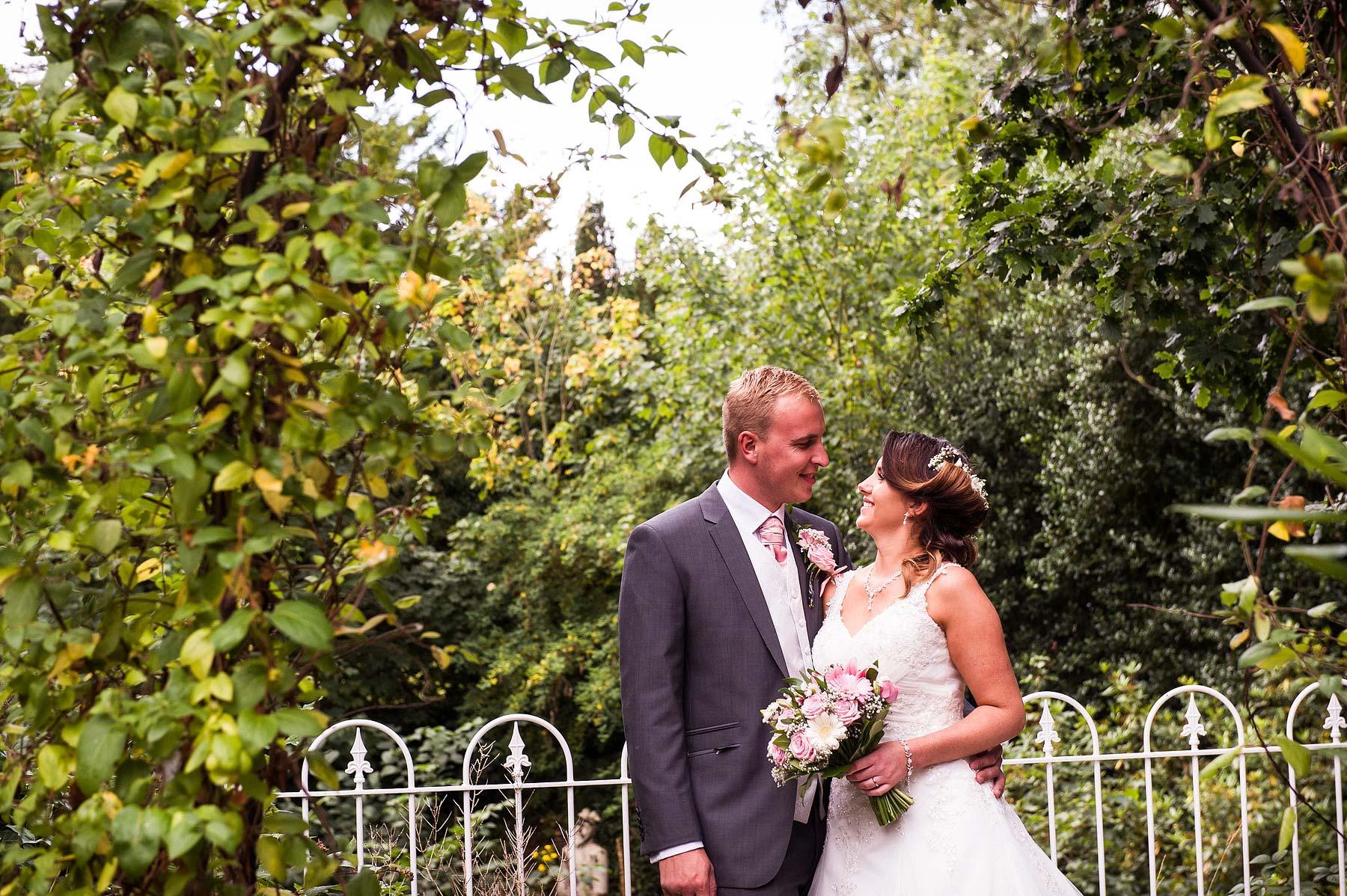 hawkesyard-estate-wedding-photographers-rugeley-064
