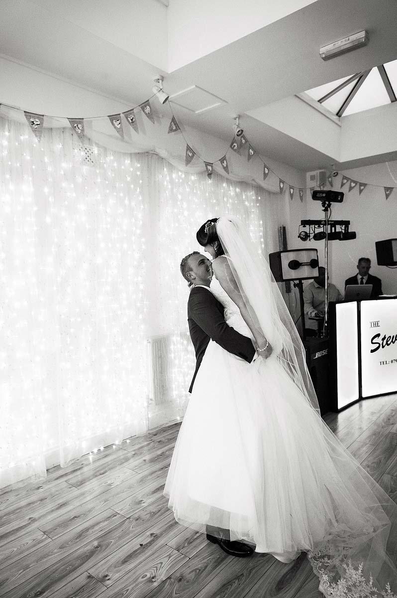 hawkesyard-estate-wedding-photographers-rugeley-109