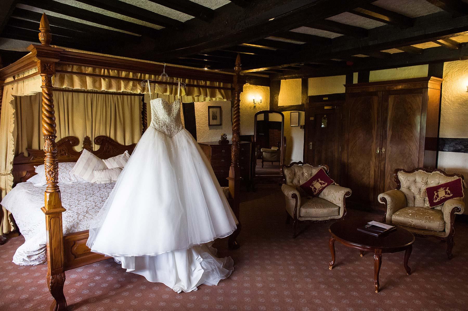 albright-hussey-manor-wedding-photographers-003