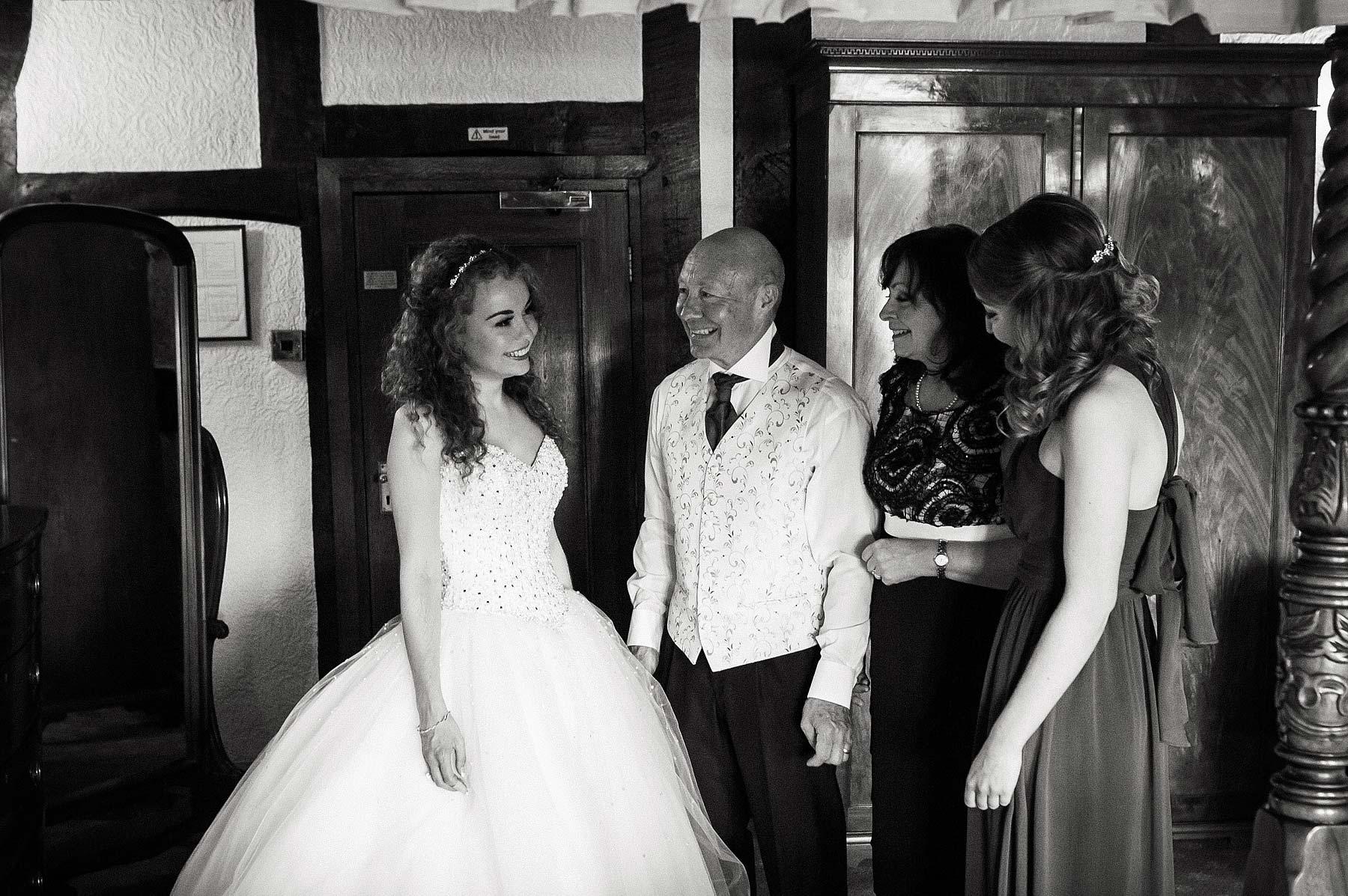albright-hussey-manor-wedding-photographers-017
