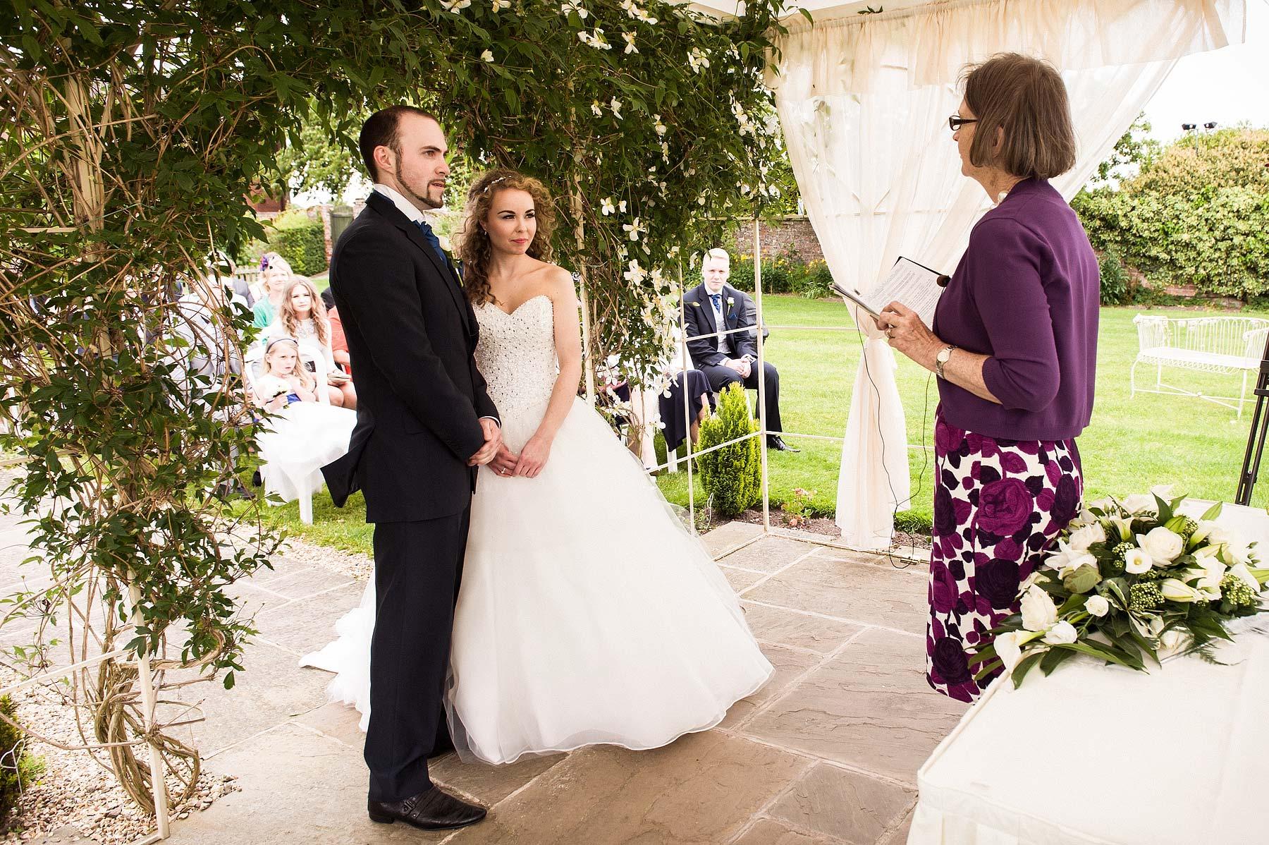 albright-hussey-manor-wedding-photographers-025