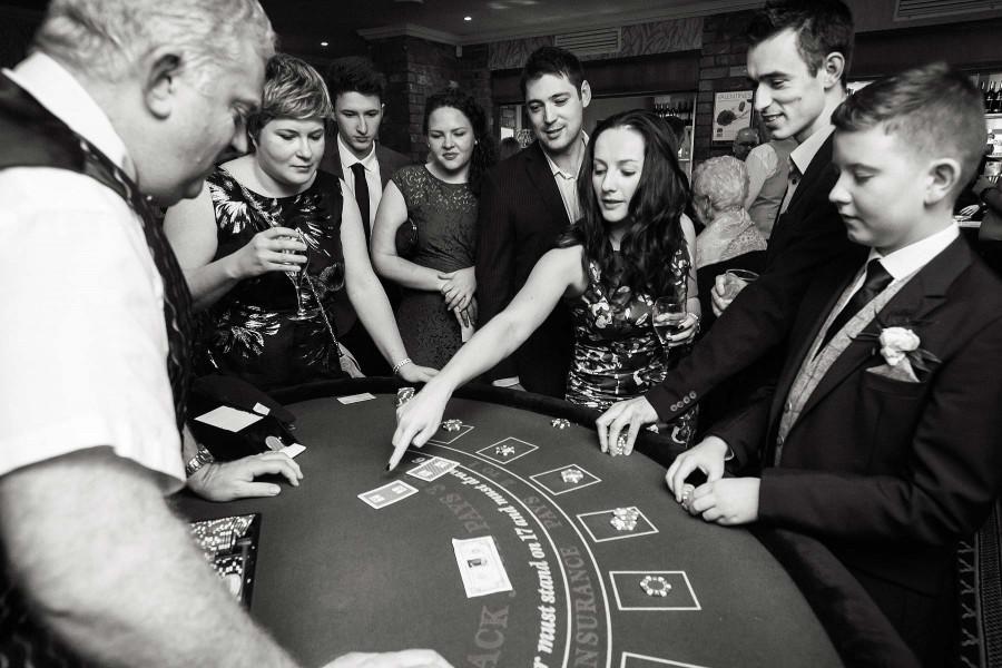 027-evening-wedding-photographs-casino