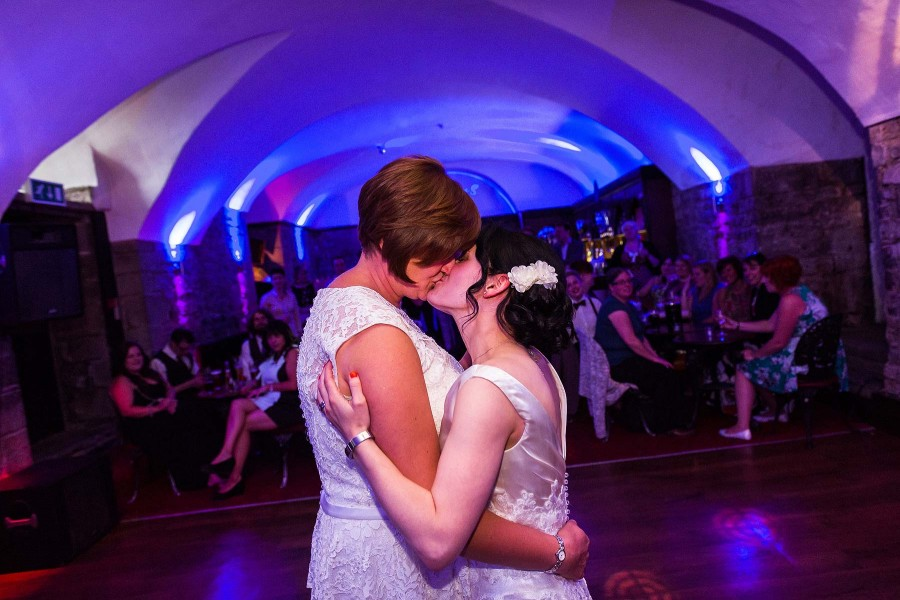 028-clearwell-castle-wedding-first-dance-photography
