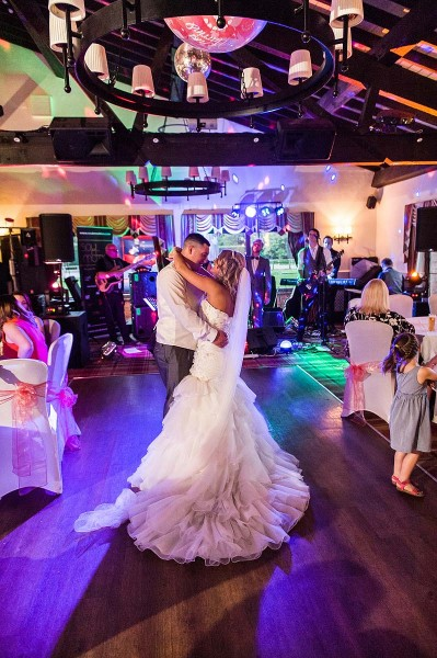 061-creative-cannock-wedding-photographers