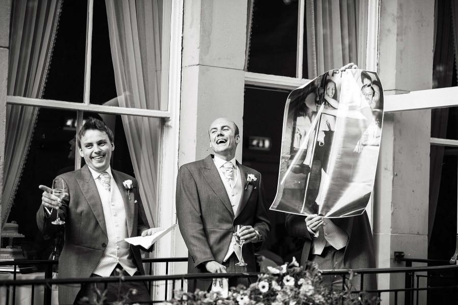 102-fabulous-fun-during-wedding-speeches-photography