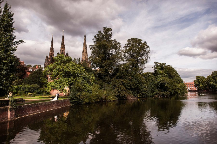 132-lichfiled-cathedral-wedding-photographs
