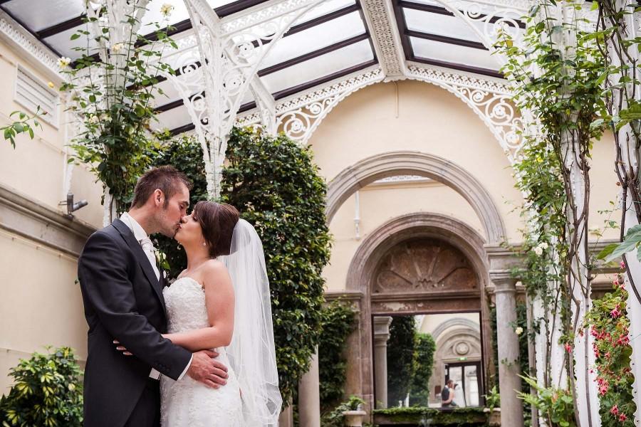 172-creative-orangery-wedding-portraits